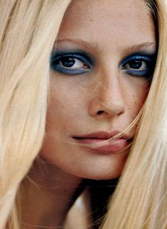 Blue Eyes: Makeup Inspiration