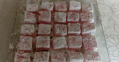 Σπιτικά λουκούμια με άρωμα τριαντάφυλλο!!!    Υλικά και Εκτέλεση Βράζουμε στην κατσαρόλα για 3 λεπτά 1 λίτρο νερό με 1 κιλό ζάχαρη κ... Cookbook Recipes, Cooking Recipes, Greek Desserts, Candies, Sweets, Chocolate, Blog, Gummi Candy, Chef Recipes