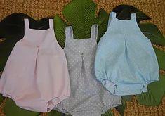 120be4678 tutorial y patrón para ahcer pantalón con peto para bebé de 6- 9 meses