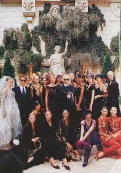Chanel, 1996Models : Linda Evangelista, Carolyn Murphy, Shalom Harlow, Kate Moss and much more