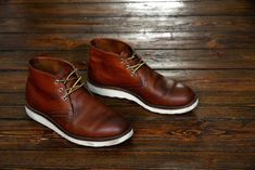 Botas Red Wing, Red Wing Chukka Boots, Red Wing Shoes, Mens Lace Up Boots, Leather Boots, Bike Shoes, Men's Shoes, Mens Boots Fashion, Cool Boots