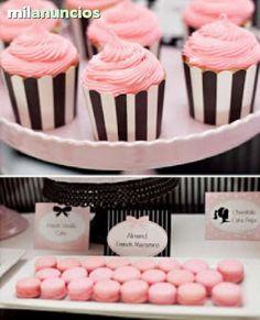 . Decoramos bodas y eventos muy dulces, decoraci�n con cupcakes, chuches, fondant etc. . . Hacemos candy bar para tu celebraci�n y te decoramos las mesas o jardines del restaurante, arbolitos de chuches, velas, pompones, lacitos y mucho m�s. Lo m�s importan