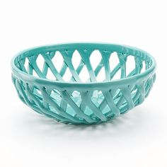Start every meal with warm bread served in this Food Network Turquoise Aqua Bread Basket. Its lovely lattice design is sure to perfectly complement any occasion or dining room decor. House Of Turquoise, Red Turquoise, Azul Tiffany, Tiffany Blue, Teal Kitchen Decor, Aqua Decor, Kitchen Ideas, Kitchen Themes, Diy Kitchen