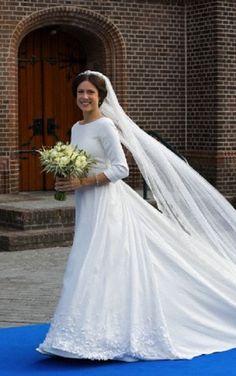 Bride Victoria Cservenyak arrives for the wedding with Prince Jaime de Bourbon de Parma in the Church Onze Lieve Vrouwe ten Hemelopneming in Apeldoorn, 05.10.13