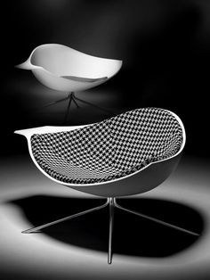 Lotus armchair manufactured by Artifort and designed by René Holten