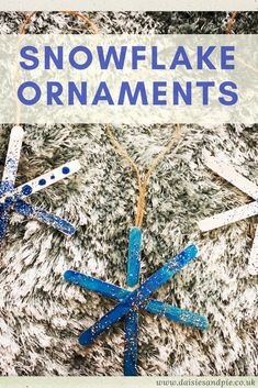 Simple snowflake ornaments for kids | Daisies & Pie Simple Snowflake, Snowflake Craft, Snowflake Ornaments, Ornament Crafts, Kids Make Christmas Ornaments, Christmas Holiday, How To Make Snowflakes, Winter Crafts For Kids, Preschool Activities