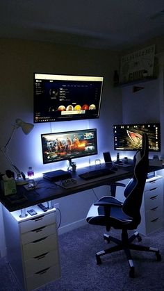 40 Best Video Game Room Ideas for Gamer's Guide. If you are passionate about game, it's time to remodel your regular room into a video game room. Check out these amazing video game room ideas! Computer Gaming Room, Computer Desk Setup, Gaming Room Setup, Gaming Rooms, Computer Room Decor, Ikea Gaming Desk, Computer Desk Organization, Gamer Setup, Gaming Computer Desk