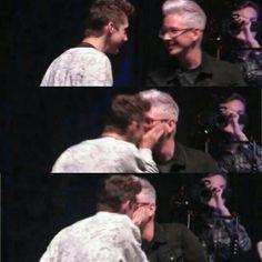 Troyler kiss<3 beautiful!