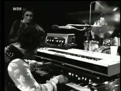 Julie Driscoll Brian Auger & Trinity: Season of the Witch- Live { Donovan's song with the inimitable vocals of Julie Driscoll . . . Things were exciting back then, always something new . . .