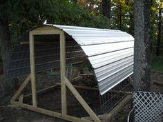 Beginnings of a nice hoop house.