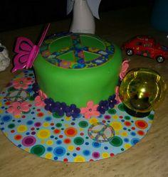 Mini cake peace and love