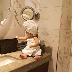 So cute 😍 babybath baby bath cute babycute So Cute Baby, Cute Baby Pictures, Cute Baby Clothes, Cute Kids, Pretty Pictures, The Babys, Cute Asian Babies, Cute Babies, Ulzzang Kids