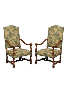 This style of chair is called Mutton Bone. The tapestry fabric is in excellent condition. | TheHighBoy | #highboystyle #antiquesmakeitbetter #antiques #vintage #armchairs