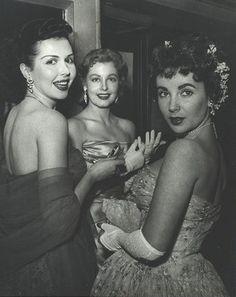 Elizabeth Taylor, Ann Miller y Arlene Dahl