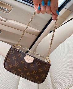 Dior Handbags, Louis Vuitton Handbags, Purses And Handbags, Sacs Louis Vuiton, Sacs Design, Accesorios Casual, Latest Bags, Chanel Purse, Hermes Bags