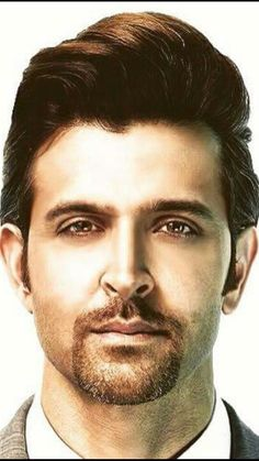 The Bollywood actor Hrithik Roshan is the Greek God of the hindi cinema. Here are 12 Photos of him to prove that. Celebrity Faces, Celebrity Crush, Celebrity Portraits, Michael Jackson Doll, Hrithik Roshan Hairstyle, Classic Mens Hairstyles, Skin Color Palette, Indian Star, Actors Images