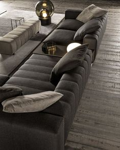 From the New 2106 collection, the awasome Freeman seating system - Minotti