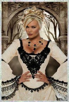 Renaissance wedding gown| Ren Faire wedding ideas