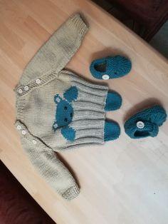 detský set Gloves, Slippers, Fashion, Sneaker, Moda, La Mode, Fasion, Fashion Models, Slipper