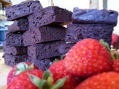Slimming World Delights: Brownies Slimming World Brownies, Slimming World Cake, Slimming World Desserts, Slimming World Recipes, Skinny Girl Recipes, Chocolate Snacks, Healthy Desserts, Healthy Brownies, Healthy Food