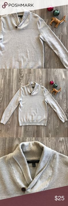 🎉 HP 🎉 Men's Banana Republic Holiday Sweater Worn 2 times - great condition 👍🏻 - button works - 100% cotton - oatmeal color Banana Republic Sweaters