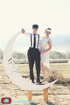 Paper Moon Photo booth and Bench Prop for 1920s by DAPPSY on Etsy   Traveling Tree Photography www.travelingtreephoto.com