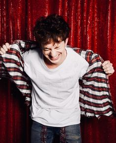 Charlie Puth or Daddy Puth? Charlie Puth, Charlie Charlie, Uk Music, Good Music, Sam And Colby, Love Him, My Love, King Of Music, Dear Future Husband