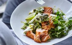 Joe Wicks Lean in Grilled salmon with avocado, feta and pumpkin seeds Daily Mail Online Avocado Recipes, Salmon Recipes, Fish Recipes, Recipies, Bodycoach Recipes, Lean Recipes, Starter Recipes, Tilapia Recipes, Orange Recipes