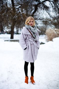 That coat, though. Also in love with the color combination.
