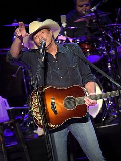 Alan Jackson Country Music Hall of Fame Artist-in-Residence