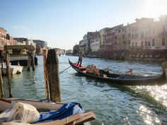 gondola Venice Italy -  gondola Venice Italy free stock photo Dimensions:4000 x 3000 Size:1.22 MB  - http://www.welovesolo.com/gondola-venice-italy/