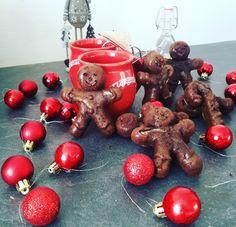 Petits Bonhommes de Noël chocolat et orange - Marie by Food Cherry, Fruit, Marie, Biscuits, Orange, Diy, Battle, Advent, Chocolates