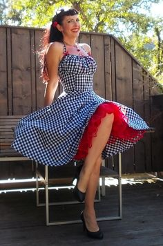 Pin-up Lollipop robe en Vichy noir et blanc par PinupDollWardrobe