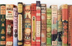 Ράχες από τη συλλογή βιβλίων του Martin Salisbury. Φωτογραφία: Simon Pask