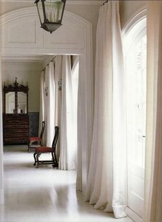 White linen drapes - living room on white walls White Linen Curtains, Plain Curtains, How To Make Curtains, Curtains With Blinds, Window Curtains, Drapery Panels, Bed Drapes, Roman Curtains, Bedroom Drapes