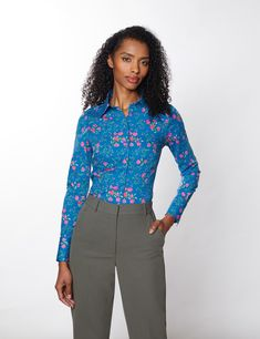 Cotton Stretch Women's Fitted Shirt With Floral Design in Blue & Fuchsia | Hawes & Curtis Hawes And Curtis, Workout Shirts, Stretch Fabric, Shirt Blouses, Floral Design, Elegant, Stylish, Fitness, Model