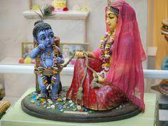 damodara , means who got tied with rope. Krishna Leela, Baby Krishna, Cute Krishna, Krishna Art, Radhe Krishna, Hanuman, Story Of Krishna, Mandir Decoration, Janmashtami Decoration