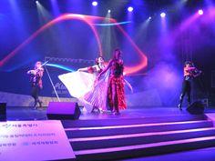 نگاره من و کره اجرای کنسرت در محل بر گذاری مسابقات