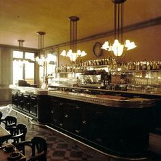 French Brasserie / french bistro: classical counter with tin