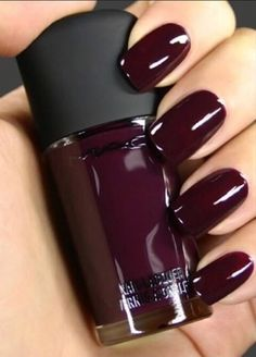 If you've always wanted to try burgundy nails but didn't know how to make them look special, these stylish examples will definitely inspire you.