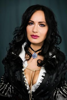 Character: Yennefer of Vengerberg / From: Andrzej Sapkowski's 'The Witcher' Short Stories and Novels & CD Projekt RED's 'The Witcher' Video Game Series / Cosplayer: Maria Khanna (aka Maria Hanna Cosplay, aka Hannuki)