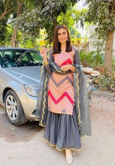 Party Wear Indian Dresses, Designer Party Wear Dresses, Pakistani Dresses Casual, Indian Gowns Dresses, Indian Bridal Outfits, Indian Fashion Dresses, Kurti Designs Party Wear, Pakistani Dress Design, Indian Designer Outfits