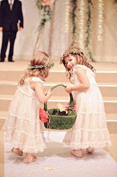 winter wedding girls