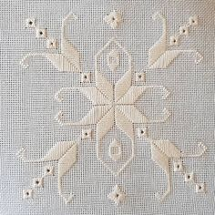 Basic Embroidery Stitches, Hardanger Embroidery, Hand Embroidery Designs, Bargello Needlepoint, Drawn Thread, Linen Bedding, Crochet, Needlework, Projects To Try