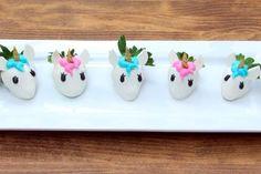 Unicorn-Inspired Chocolate Covered Strawberry Recipe