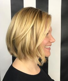 ☀️Something about a golden balayage with this cut that makes my heart sing so loud. ������  http://tipsrazzi.com/ipost/1523461774257467666/?code=BUkbGl7gLES