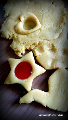μπισκότα πάστα φλώρα Greek Sweets, Greek Desserts, Ice Cream Desserts, Greek Recipes, Food Cakes, Cupcake Cakes, Chocolate Sweets, Easy Snacks, Cookie Recipes