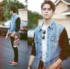 420 (by Adam Gallagher) http://lookbook.nu/look/3368199-42-Tevin-Vincent-Jacket-Splattered-Flannel-Vans-Shoes