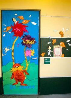 Dr Seuss Read Across America Elementary Door Display and Bulletin Board Idea