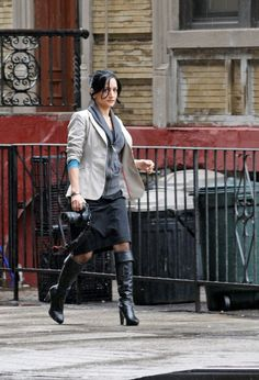 She is why I watch The Good Wife Black Knee Length Boots, Black Boots Outfit, Sexy Boots, Knee Boots, Cary Agos, Archie Panjabi, Celebrity Boots, 70s Fashion, Womens Fashion